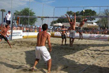 INTESA LAVORO BEACH VOLLEY TOUR 2009 9^ ed.: nel 3X3 Dimmidisì Senior vincono Pavoni-Federici-Corti
