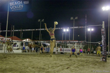 Beach Volley sotto le Stelle, 82 coppie in campo!